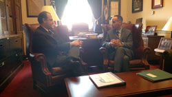 Cong. Andy Barr (D-KY) with Romulo Albuquerque, M.D., Ph.D., (University of Kentucky)