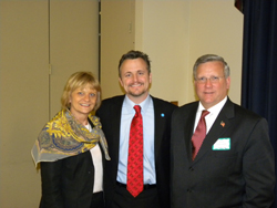 Left and right: Cynthia Stuen, Ph.D. and Mark Ackermann (Lighthouse International) with Dr. Girkin.  Lighthouse International is an AEVR member.