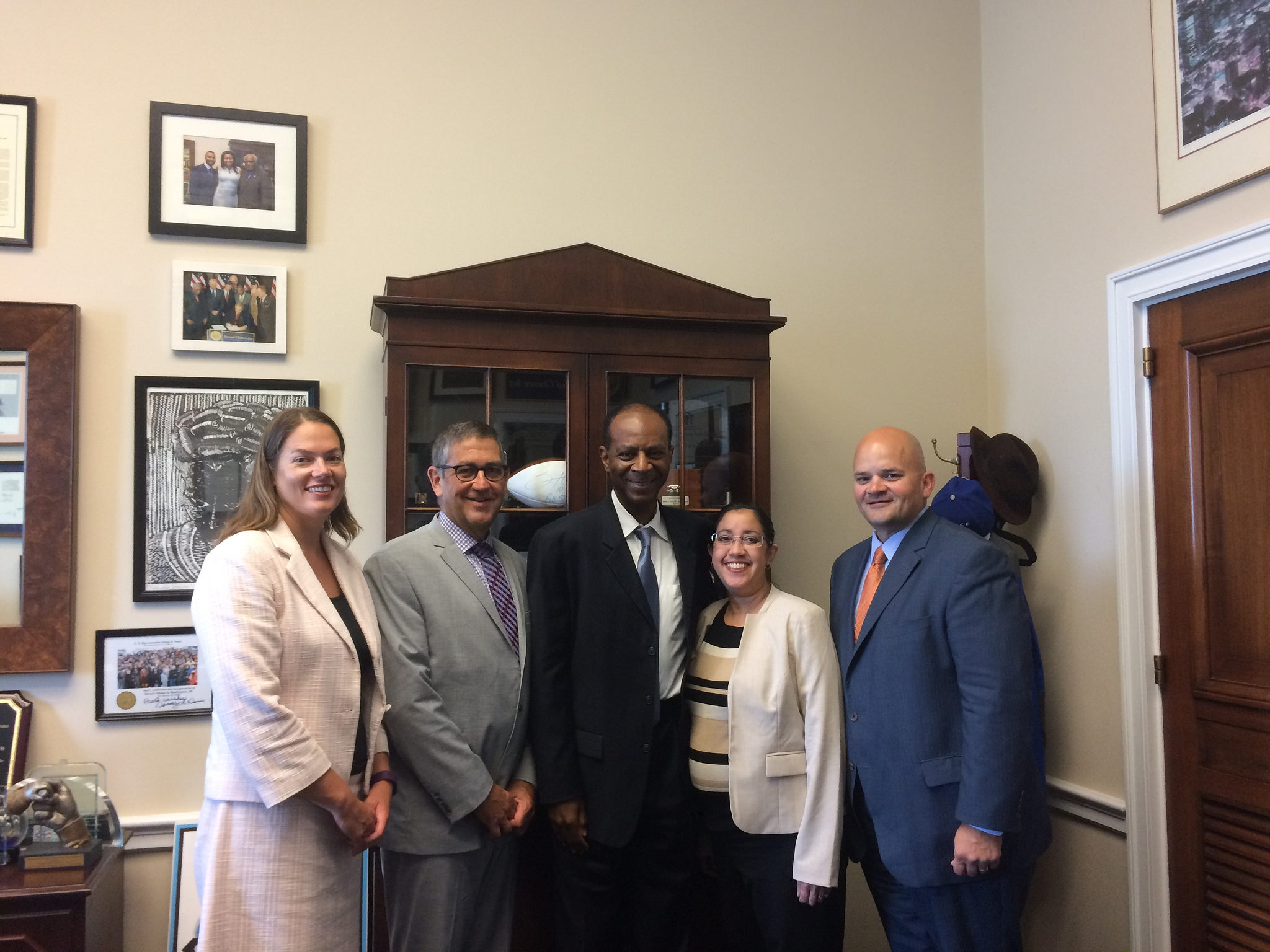 WWFH-IL partners meet with Rep. Danny Davis at the 2016 WWFH Summit